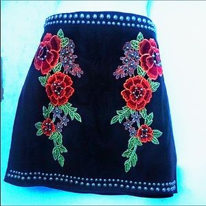 Romeo and Juliet studded leather skirt patched